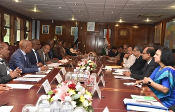 Visit of HVPI Shri M. Venkaiah Naidu to Botswana from 31.10.2018 to 2.11.2018 ( At President office- Delegation level talk)
