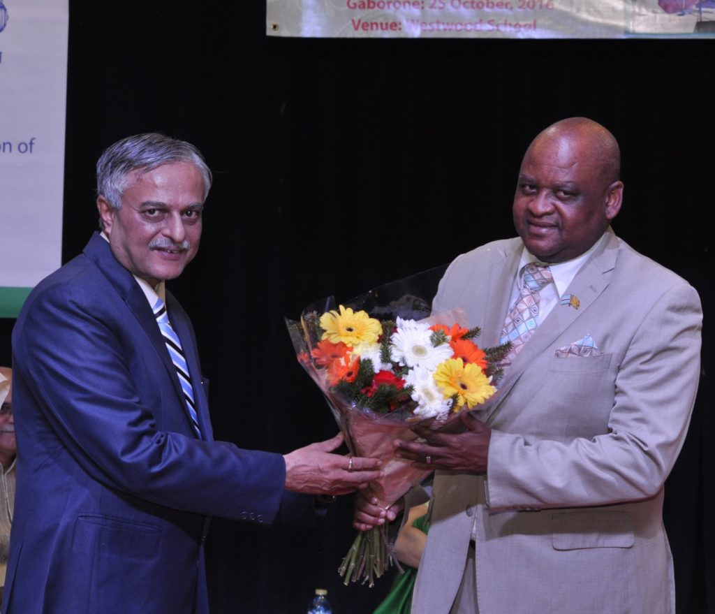 H.E. Dr. Ketan Shukla, High Commissioner of India to Botswana presenting bouquet to Hon. Mr. Dikgang Makgalemele, Assistant Minister of Health and Wellness of the Republic of Botswana and on the occasion of Indian light-classical vocal concert by Ms. Shaila Hattangadi at Westwood International School on 25.10.2016